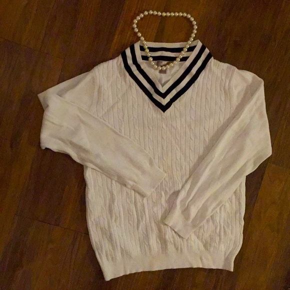 Large L preppy classic white cable knit sweater
